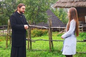 """Співочий місіонер закликає берегти свої сім`ї – у """"Церковному закуліссі"""" (+Відео)"""